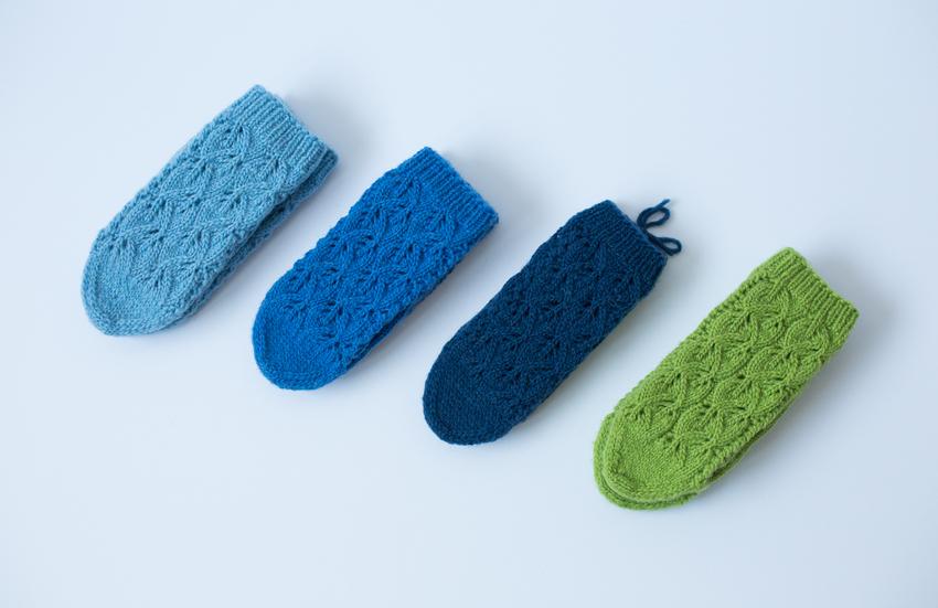 НИТИ плава палета чарапа